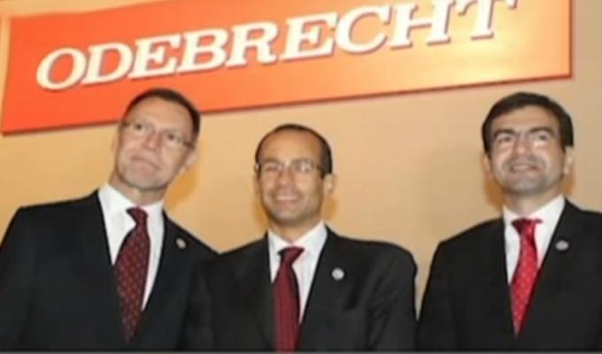 Políticos y periodistas aparecen en el álbum fotográfico de Odebrecht en Perú