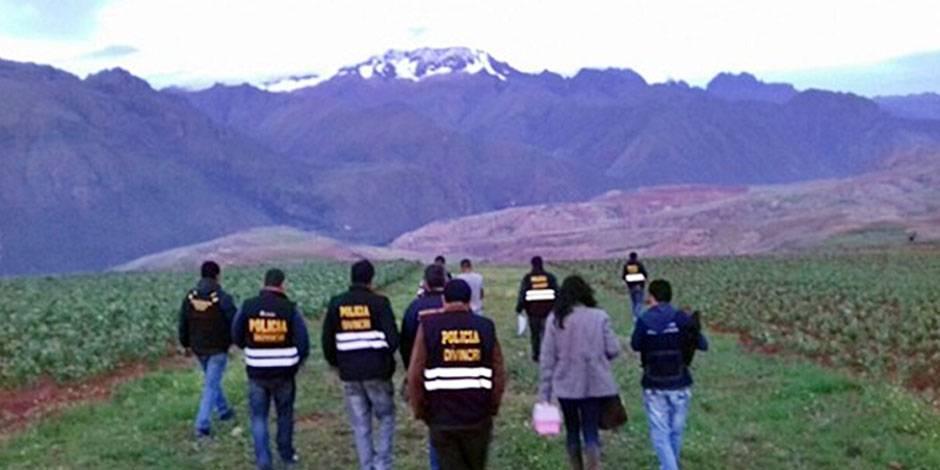 Encuentran cadáver de una mujer en un descampado de Huarochirí