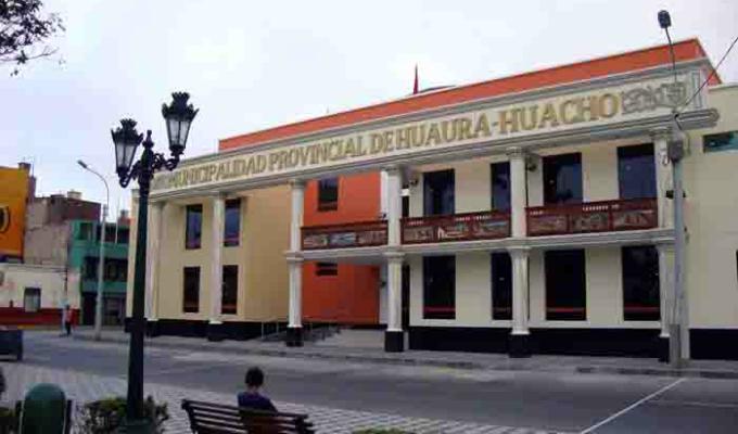 Huacho: Alcalde separó a vigilante que fue captado viendo video para adultos