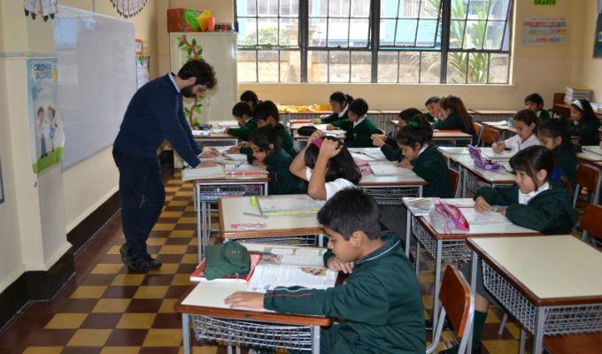 Colegios no podrán impedir ingreso a escolares que lleguen tarde