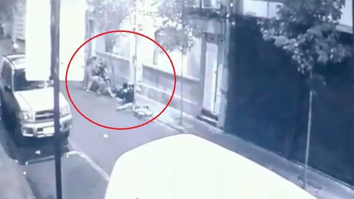 Chinos atacan a machetazos a peruano que intentó asaltarlos [VIDEO]