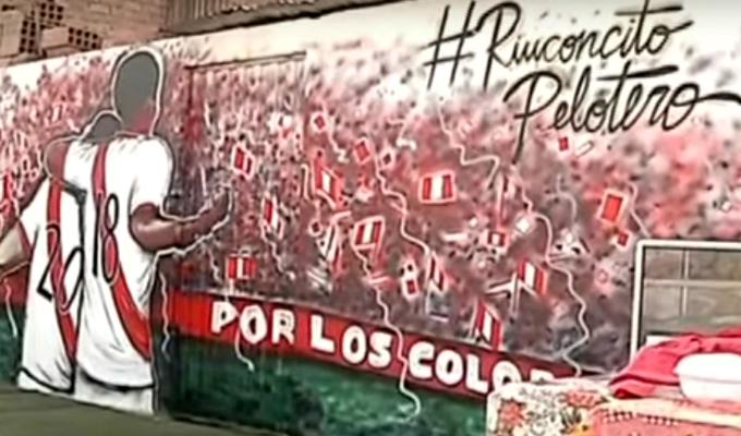 Artistas pintan murales inspirados en la Selección Peruana