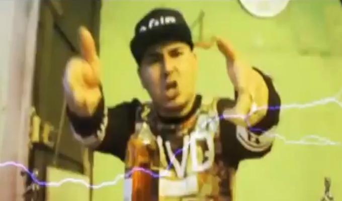 Baby Flow: chalaco incita a la violencia con sus videos musicales