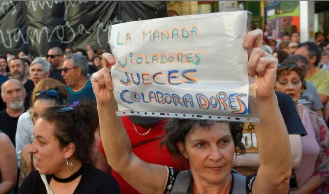 Protestan en España por liberación de 'La Manada'