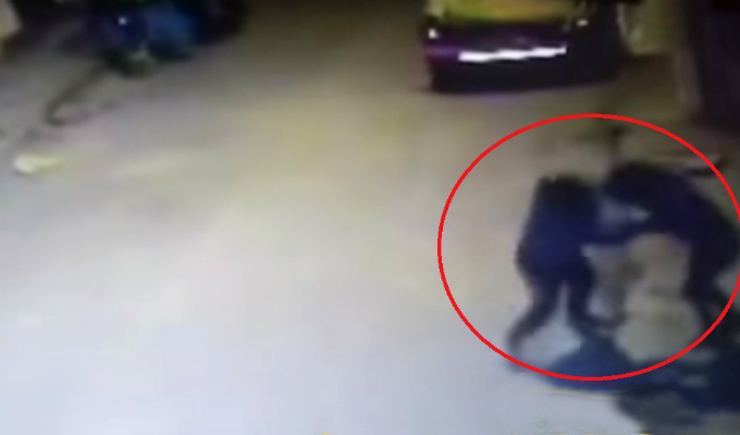 Los Olivos: vecinos casi linchan a sujeto por intentar robar a adolescente