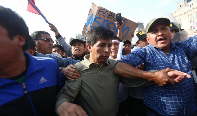Huelga de maestros fue suspendida por poco respaldo