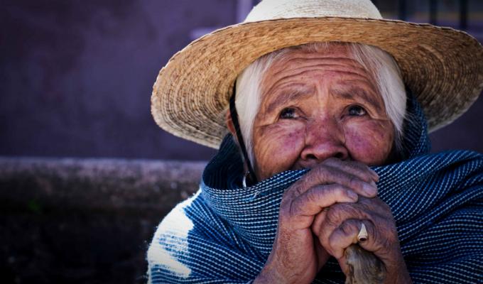 Más de 400 adultos mayores fallecieron por neumonía en lo que va del año