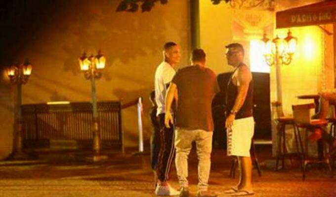 Paolo Guerrero se divierte en Río de Janeiro mientras se resuelve su situación