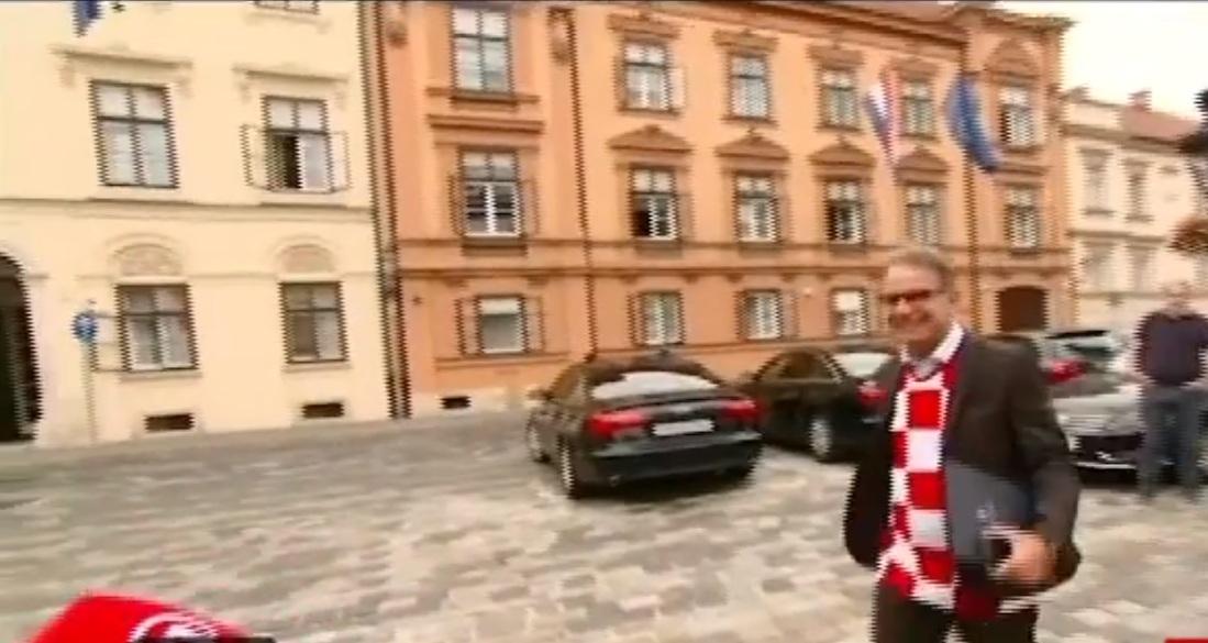 Croacia: Miembros del gabinete se reúnen vestidos con camisetas de su selección