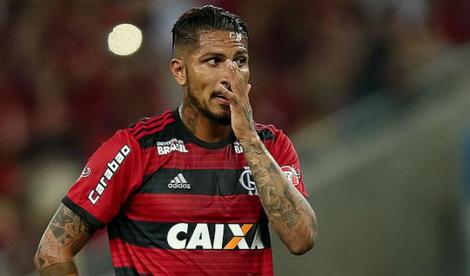 Renovación corre peligro: Guerrero estaría a un pie de dejar el Flamengo