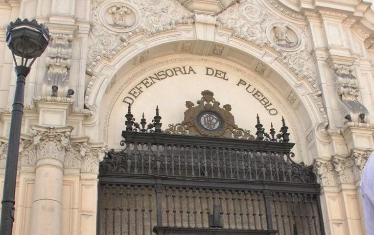 Defensoría pide revisar fallos de juez Hinostroza sobre delitos sexuales