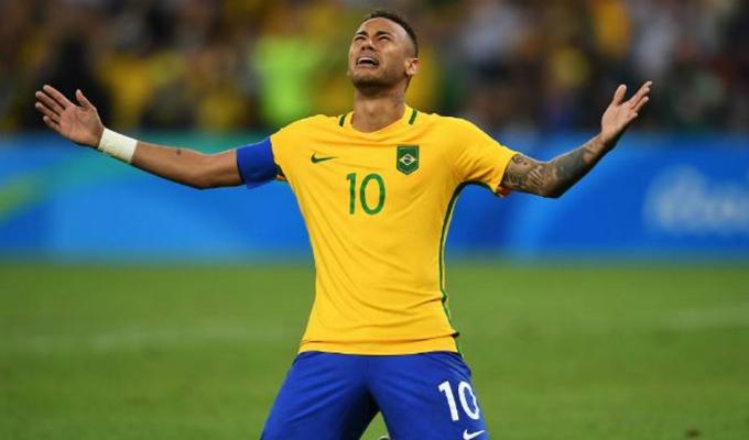 Neymar toma con humor las críticas por su caída durante el partido con México