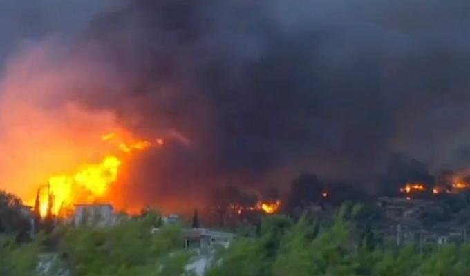 Grecia: incendio afecta bosques cercanos a Atenas