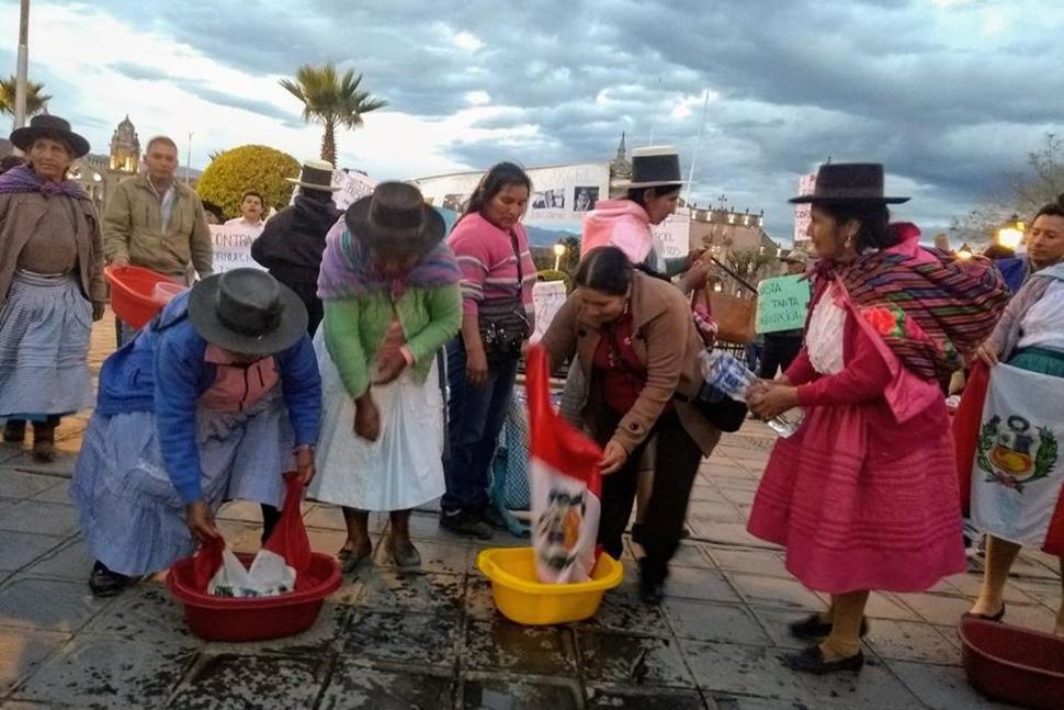 Ayacuchanos marcharon contra la corrupción en el CNM y el PJ
