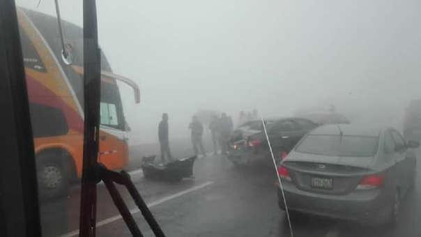 Variante de Pasamayo:  choque múltiple de vehículos deja 14 heridos