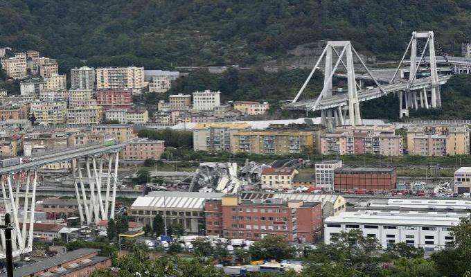 Italia: labores de rescate continúan tras desplome de puente en Génova