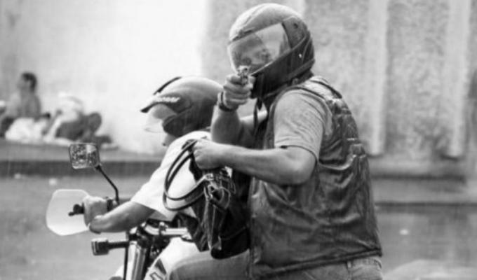 Cercado de Lima: sicarios en moto matan a balazos a conductor