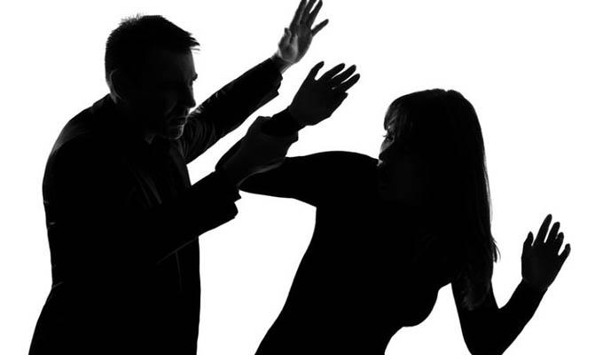SJM: sujeto agrede brutalmente a su joven pareja de 23 años