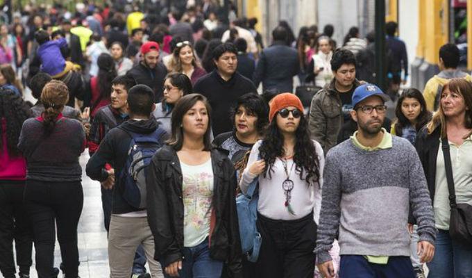 Casarse y tener hijos ya no es un gran sueño de las peruanas, según Datum