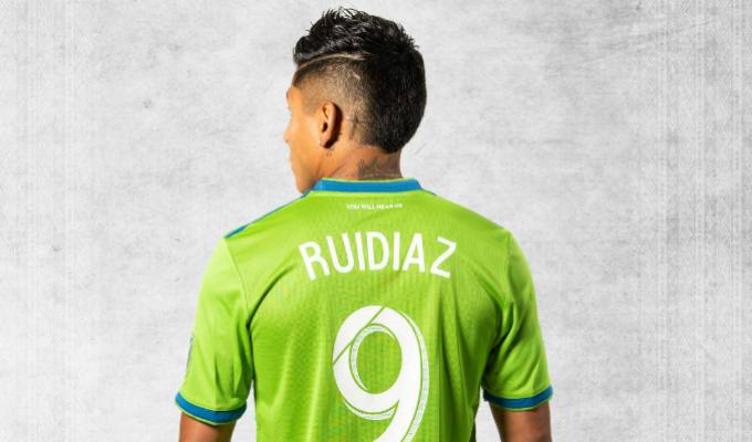 Raúl Ruidíaz sorprende con un doblete para el Seattle