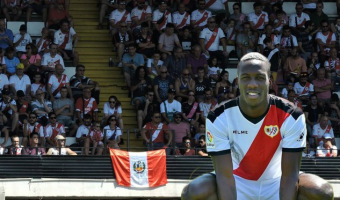 Conozca a los futbolistas peruanos que también anotaron en la Liga española
