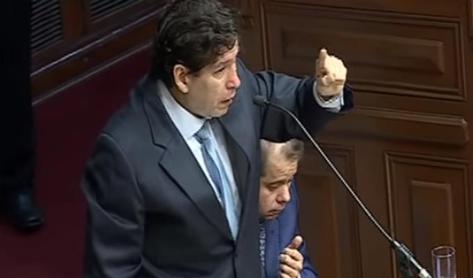 Iván Noguera lloró durante sesión de la Comisión Permanente del Congreso