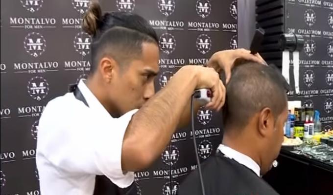 Roberto Palacios estrenó nuevo 'look' por el Clásico del Pacífico