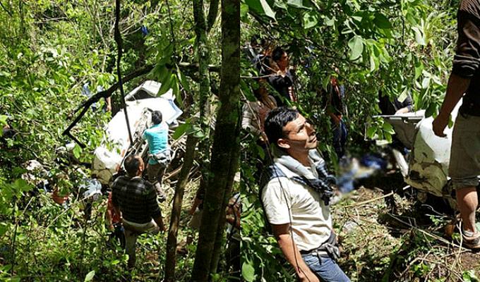 Chachapoyas: bus cae a un abismo de 90 metros y deja cinco menores de edad muertos