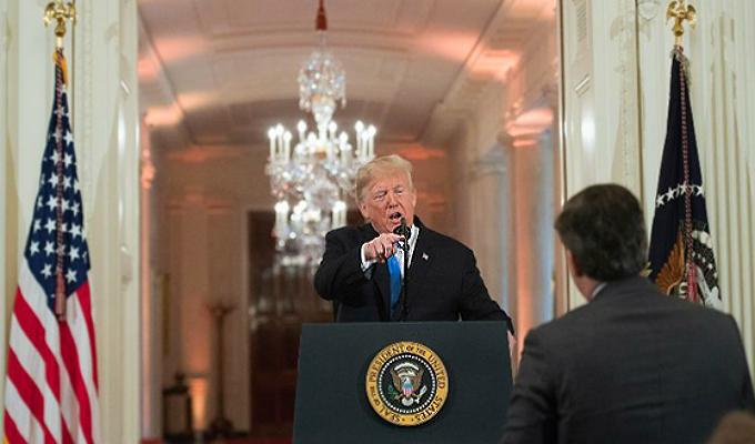 EEUU: CNN demanda a Trump por caso de periodista