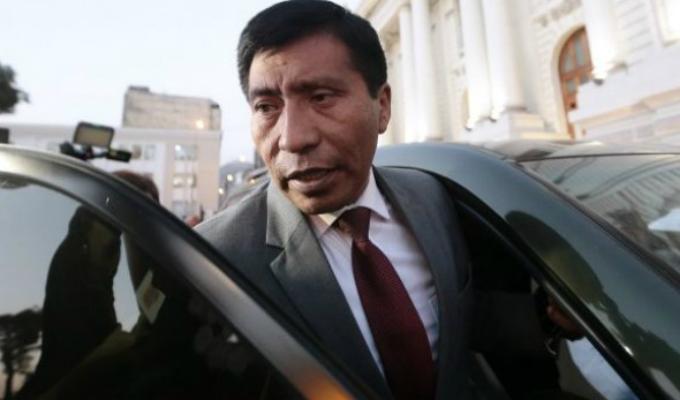 Nuevo Perú presentará hoy una denuncia constitucional contra Moisés Mamani