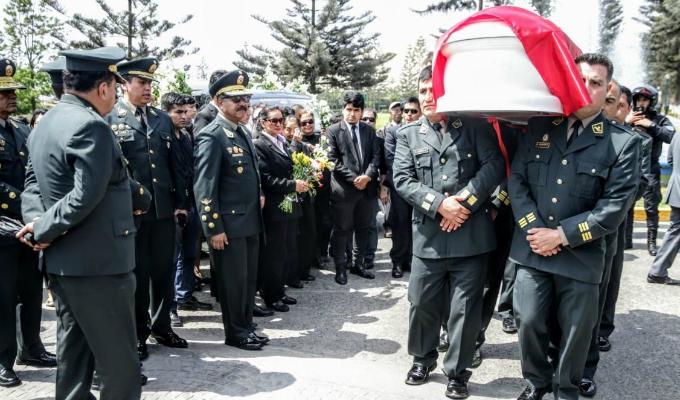 Comandante general de la PNP destacó valentía y heroísmo de policías abatidos en el Rímac