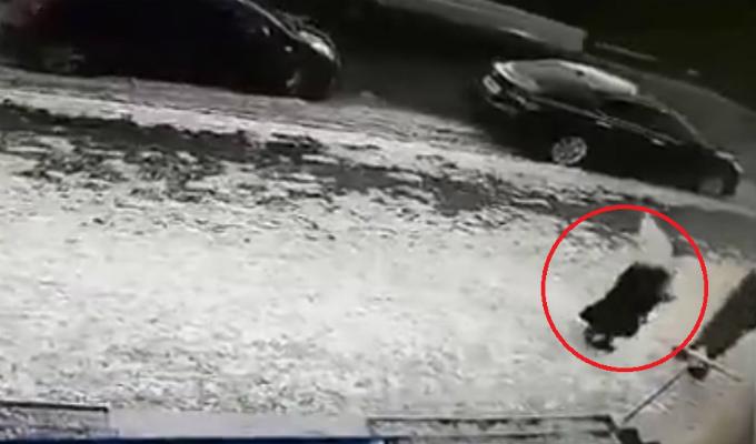 Kazajistán: anciana muere tras ser impactada por bloque de hielo