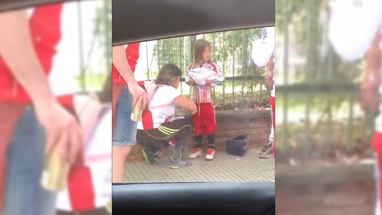 Argentina: condenan a mujer que ocultó bengalas en el cuerpo de su hijo
