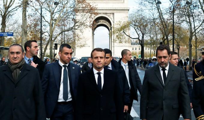Francia: Emmanuel Macron verificó y evaluó los daños tras las protestas en París