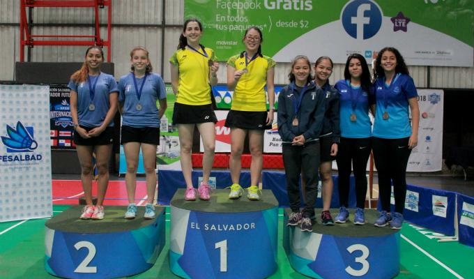 Daniela Macías y Danica Nishimura lograron oro en campeonato de bádminton