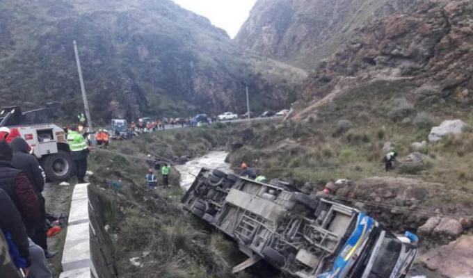 Carretera Central: accidente de tránsito deja al menos 8 muertos y 30 heridos