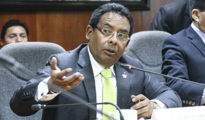 Congresista Segura dice que no dará prioridad a caso Chávarry