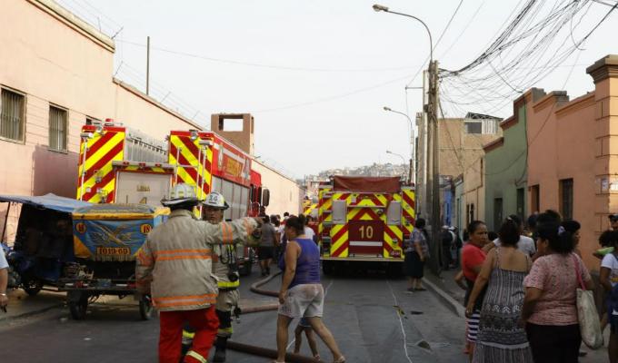 Cercado de Lima: incendio en jirón Junín dejó un menor muerto