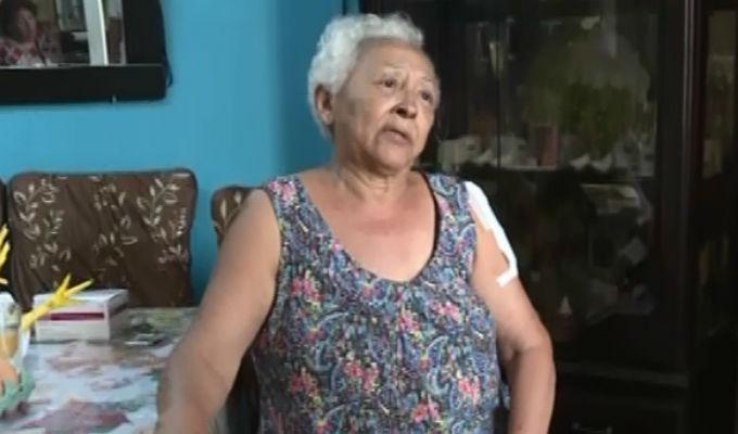 La Perla: Arrastran y roban a anciana de 70 años a metros de su casa