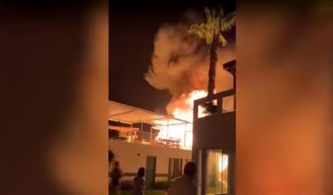 Explosión de balones de gas generó pánico en club de playa de Asia