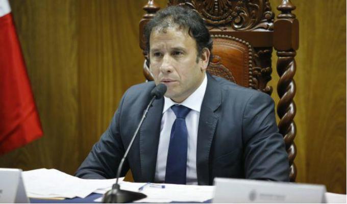 Separan a Alonso Peña de Unidad de Cooperación Internacional