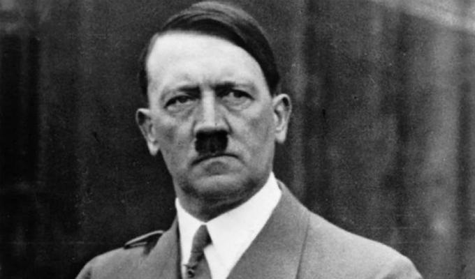 Subastarán tres acuarelas firmadas por Adolf Hitler