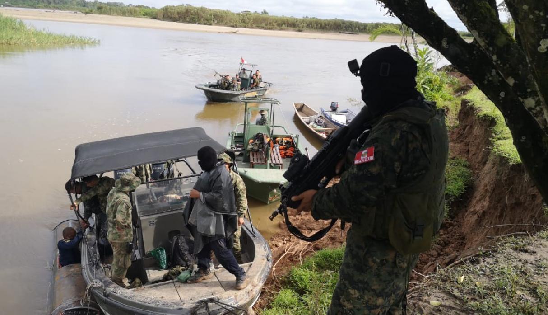 PNP incautó bote con más de 250 kilos de cocaína en Loreto