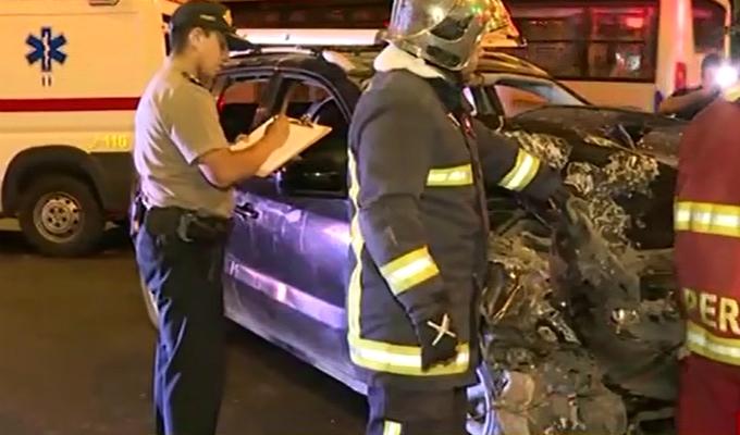 Rímac: choque entre auto y bus del Corredor Azul deja dos heridos