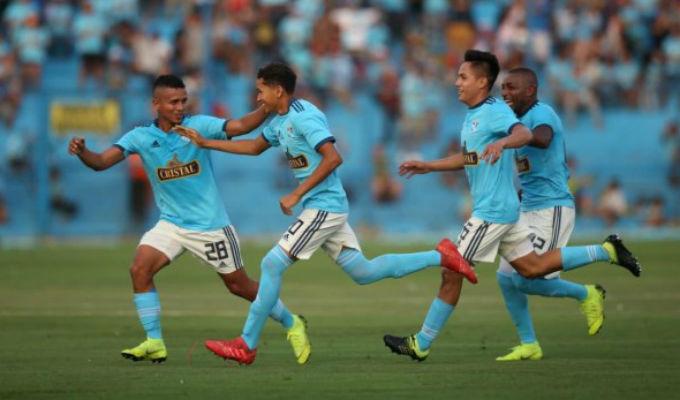 Sporting Cristal venció 2-1 a Cantolao por el Día de la Raza Celeste
