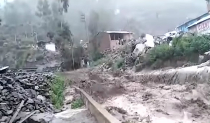 Huancavelica: crecida de río generó alarma en la población