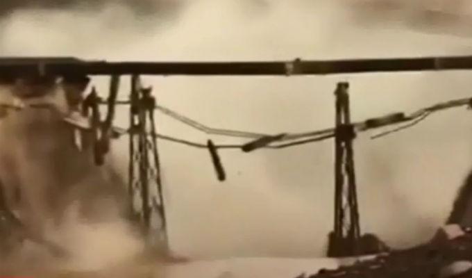 Puente colapsó debido a las fuertes lluvias en Chile