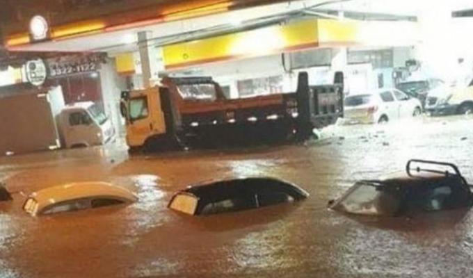 """Brasil: decretan """"estado de emergencia"""" por lluvias torrenciales en Río de Janeiro"""