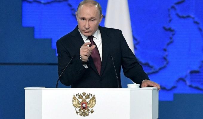 Vladimir Putin advierte que responderá si EEUU despliega misiles en Europa