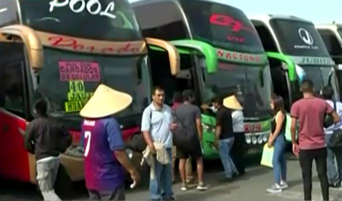 Terminal de Yerbateros: buses siguieron operando pese a huaico en la Carretera Central